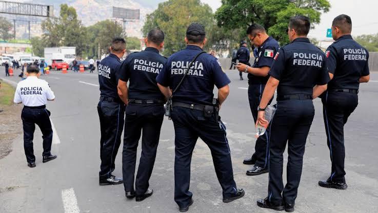Policías Foto: Internet