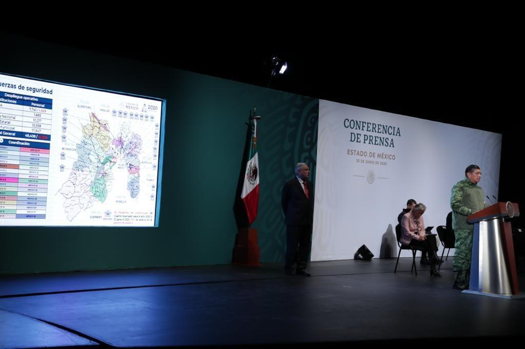 En Guanajuato aseguraron vehículo con explosivos: AMLO