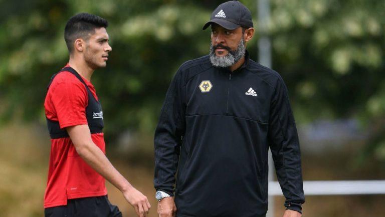 Director Técnico de Wolves aseguró que Raúl Jiménez aún tiene mucho que dar