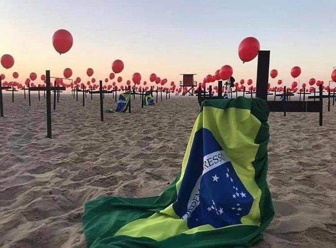 En playas de Río de Janeiro homenajean a fallecidos por COVID-19