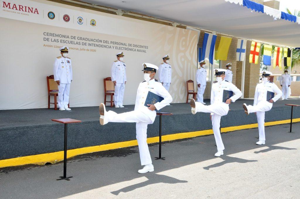 SEMAR se fortalece al graduar a 51 elementos de las escuelas de Intendencia, Electrónica e Informática Naval