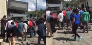 Camión de IMSS se quedó sin frenos; deja 3 muertos y 12 lesionados
