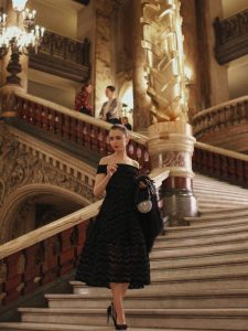 Netflix estrena tráiler y fecha de 'Emily in París'