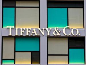 Louis Vuitton canceló compra de Tiffany por aranceles de EUA a Francia