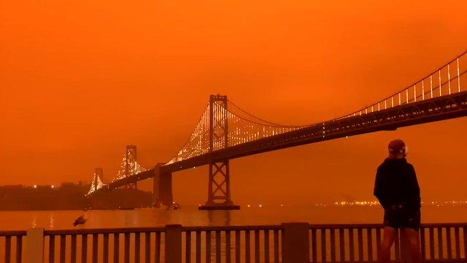 Así lució de color naranja la Bahía de California por incendios