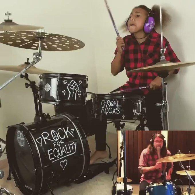 Dave Grohl compuso canción para Nandi Bushell, la niña baterista