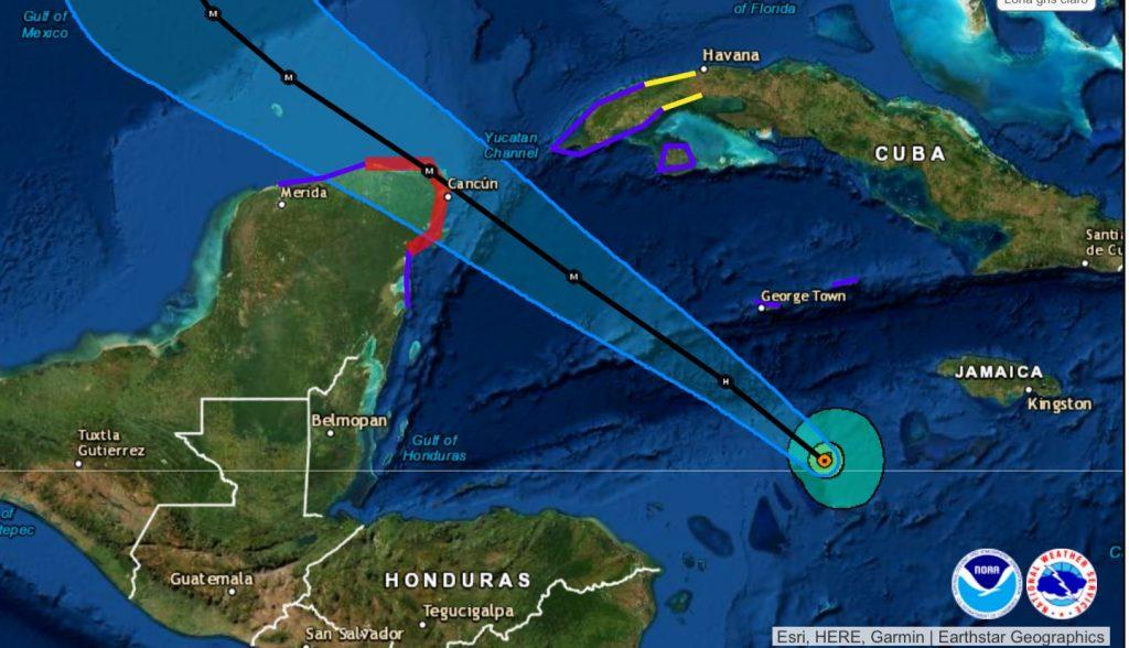 Por Delta, Quintana Roo en Alerta Roja. Resguardan a turistas y habitantes de zonas vulnerables