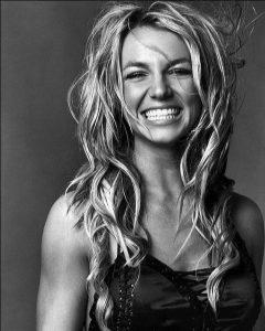 Juez aprobó a Britney tener abogados propios tras 12 años de tutela