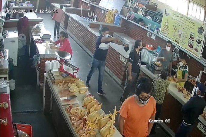 Así fue el asalto a pareja de adultos mayores en mercado de Oaxaca
