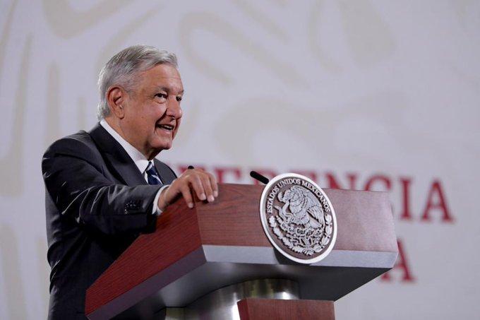 """""""Los corruptos son fantoches"""": AMLO alista cartilla moral"""