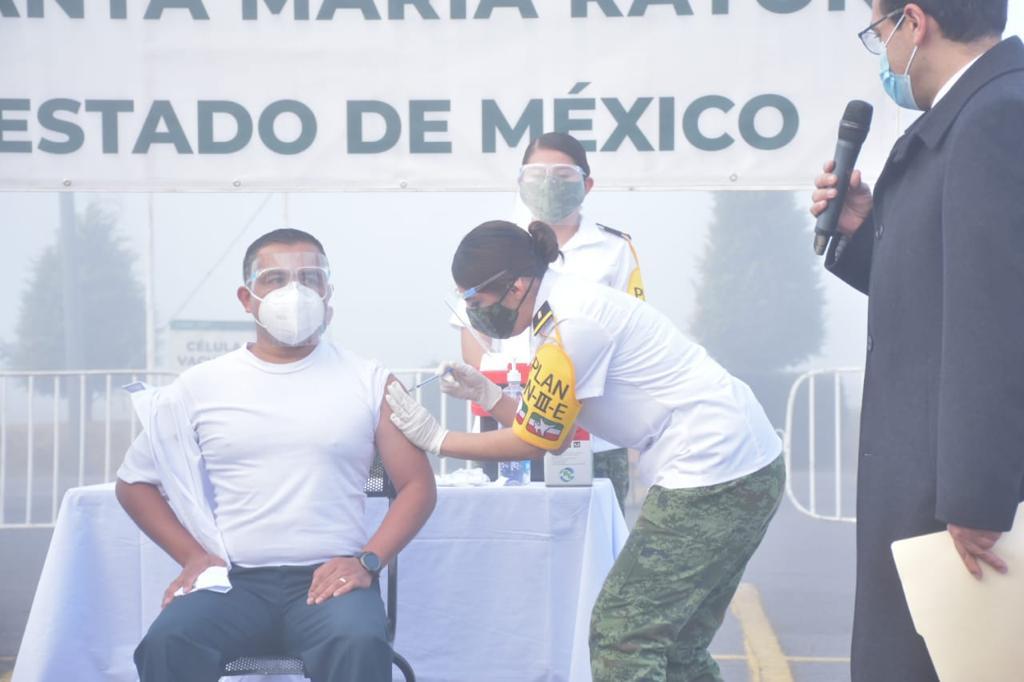 ISSSTE y Ejército aplican vacuna contra COVID en el Estado de México