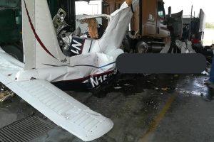 6 murieron tras desplome de avioneta en patio de empresa en Nuevo León