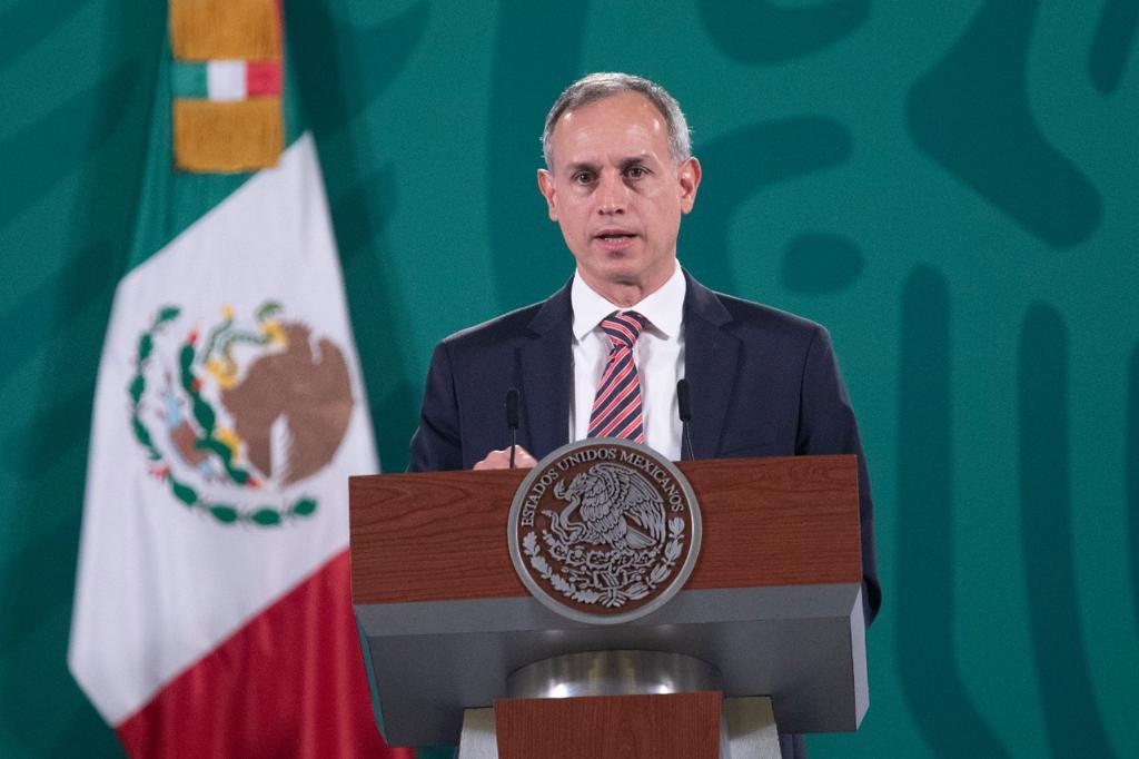 Vacunarán a 530 mil maestros: López-Gatell