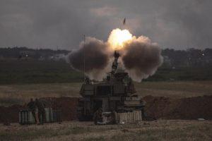 Misil mata a dos personas en Israel; palestinos hacen huelga