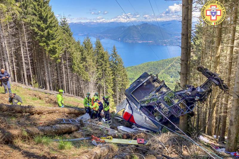 Italia investiga accidente de teleférico con 14 muertos Foto: AP
