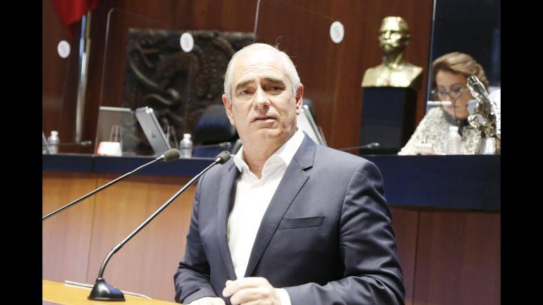 """AMLO, """"irrespetuoso y autoritario"""" al aceptar que mete las manos en elecciones: senadores del PAN"""