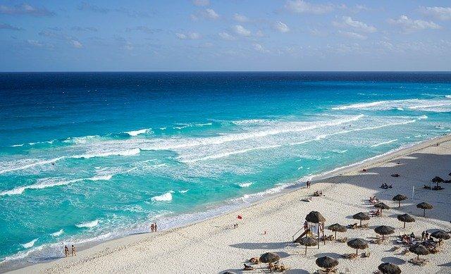 Playas de Cancún están bajo control de la delincuencia