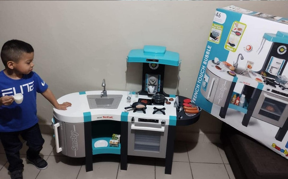 """""""No quiero ser niña, quiero ser chef"""": niño pide cocina de juguete Foto: Internet"""