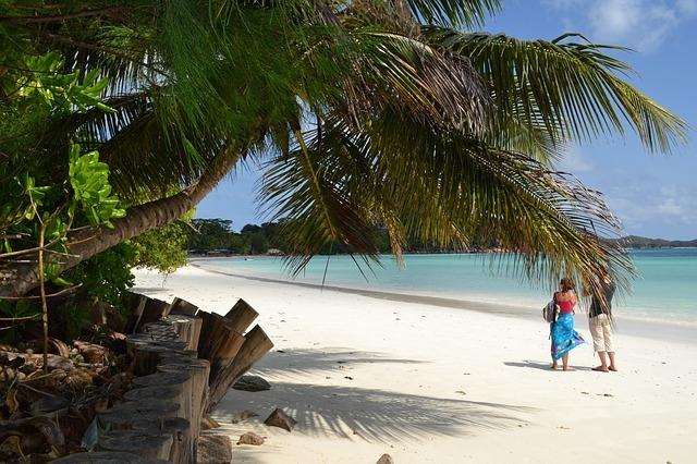 """Con rebrote el denominado """"país más vacunado del mundo"""", Seychelles"""