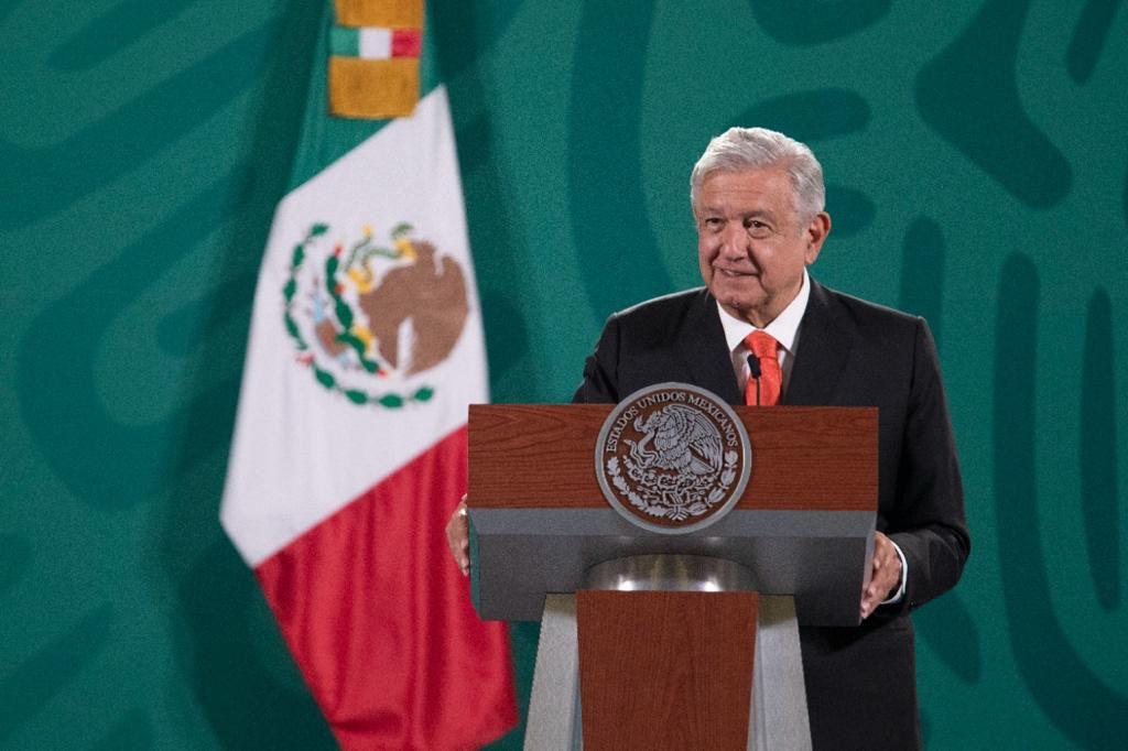 AMLO celebra que Banxico ajuste expectativa de crecimiento