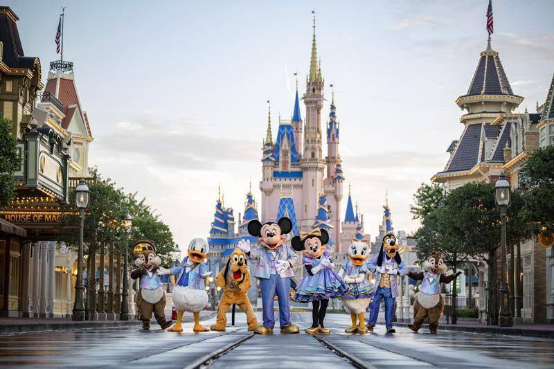 Walt Disney World celebra en grande su 50mo aniversario Foto: AP