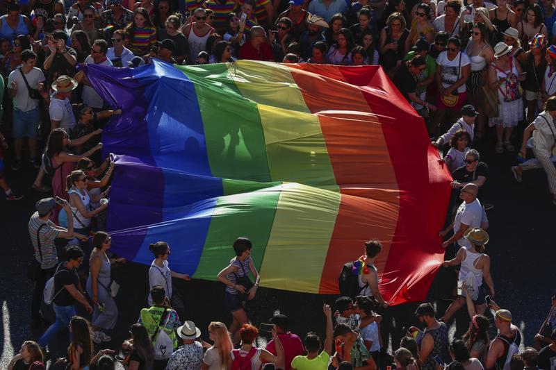 Avanza en España iniciativa de ley de derechos transgénero Foto: AP