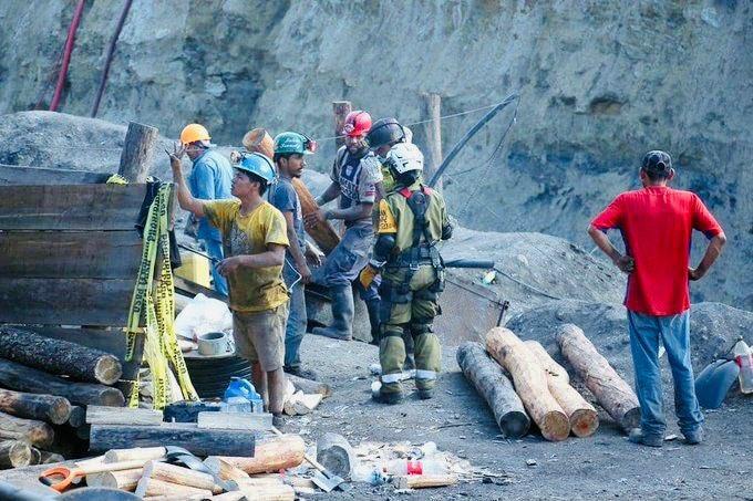 Gobierno trabaja para rescatar a mineros: AMLO