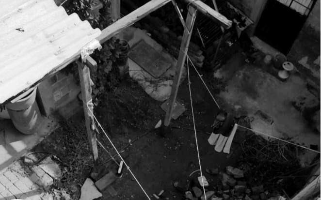 Localizan 3 cadáveres enterrados en habitación de Ecatepec