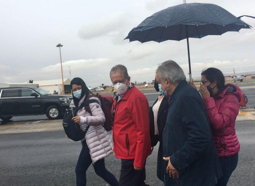 Estefany Correa García, integrante de la Ayudantía es la del extremo izquierdo