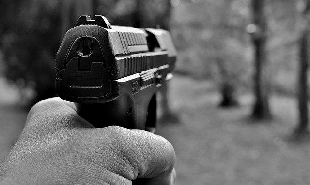 En Florida ordenan detención de niño por disparar a policías