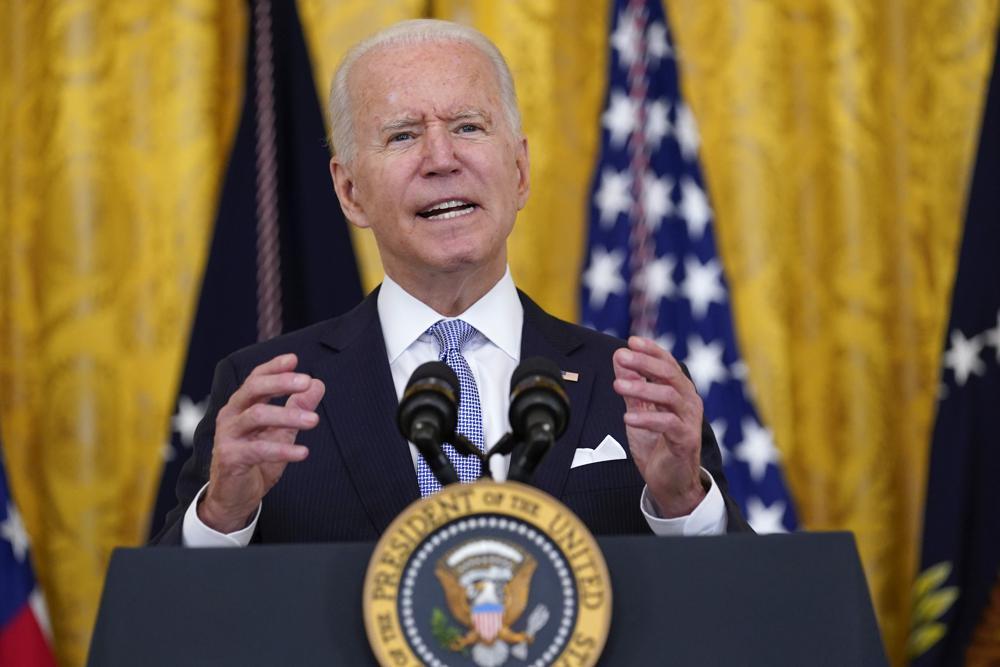 Biden ordena nuevas y estrictas reglas de vacunación para los trabajadores federales Foto: AP
