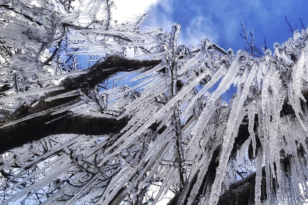 Fuerte ola de frío provoca nevadas en el sur de Brasil