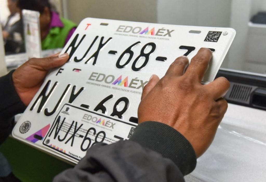 Edomex anuncia que ya puedes recibir tu tarjeta de circulación y placas en tu casa Foto: atracción360
