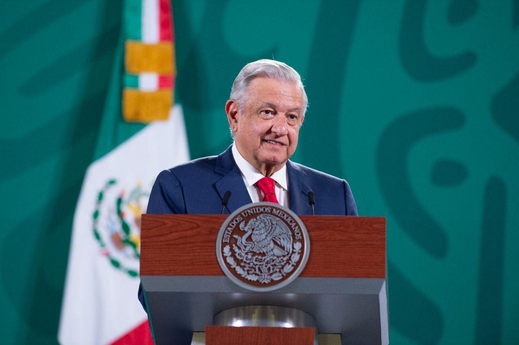 AMLO critica especulaciones por visita a Badiraguato; hará gira por helicóptero