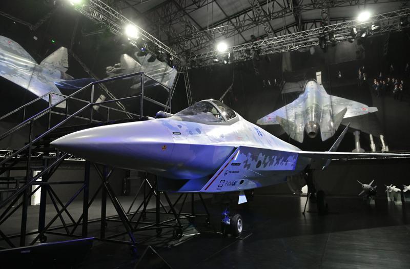 Rusia presenta nuevo avión de combate