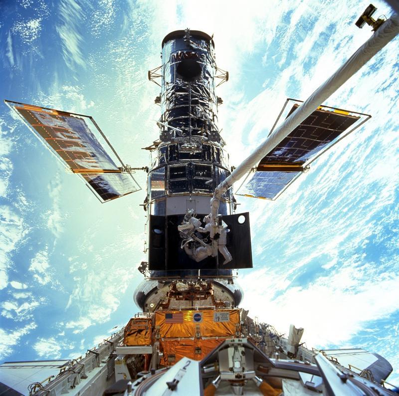 Concluye reparación del telescopio espacial Hubble Foto: AP