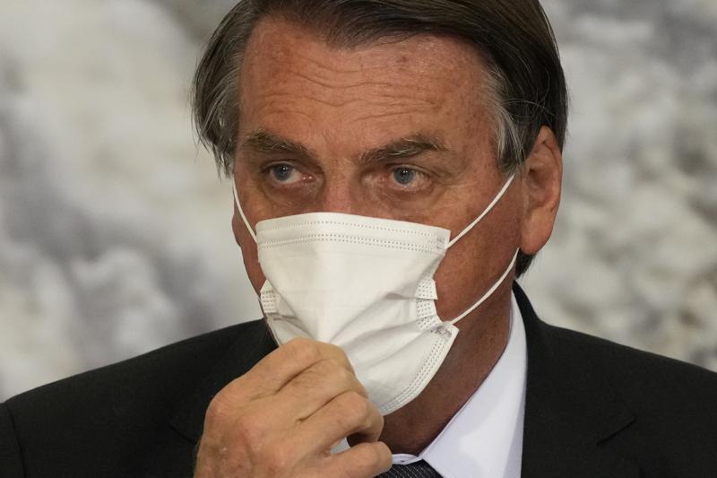 Por dolor abdominal es hospitalizado Jair Bolsonaro