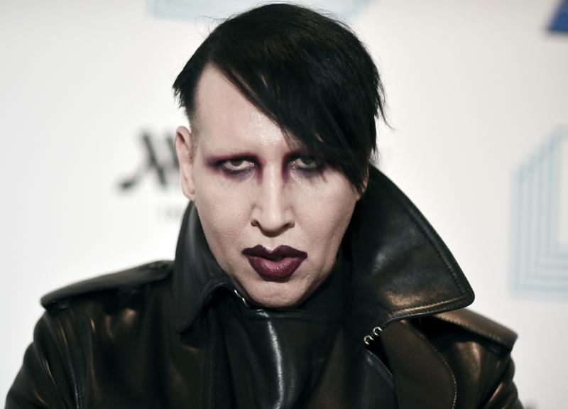 Marilyn Manson se rinde en orden de asalto de New Hampshire Foto: AP