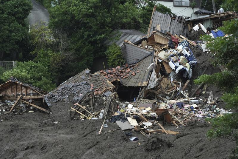 Decenas de desparecidos tras deslave en Japón; 4 muertos