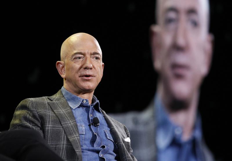 Jeff Bezos entrega la dirección general de Amazon