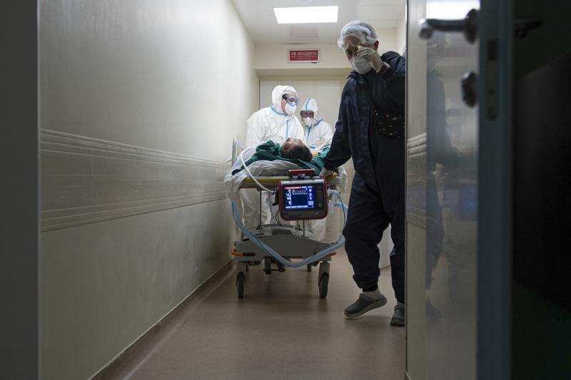 Rusia alcanza otro récord de muertes diarias por COVID: 799