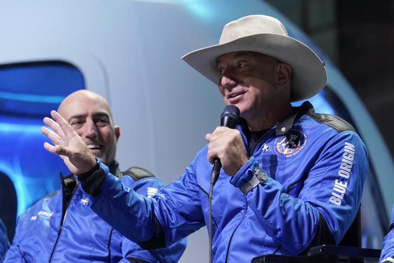 """Bezos vuela en su propio cohete: """"¡El mejor día de todos!"""""""