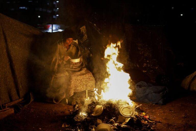 Frío intenso en Brasil hace sufrir y morir a indigentes Foto: AP