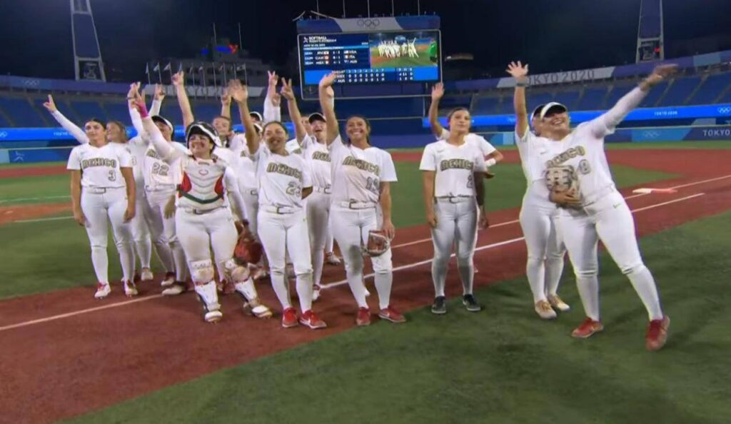 Equipo femenil mexicano de softbol va por medalla de bronce contra Canadá