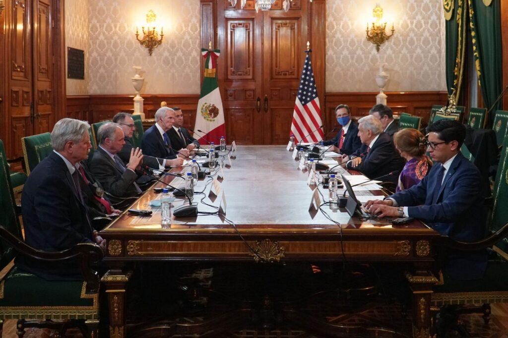 AMLO se reunió con senadores de EUA