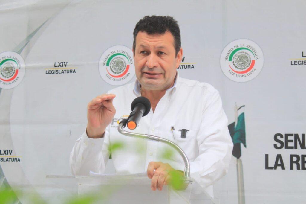 Senador del PRD contra la ley para designar delegados municipales Foto: Internet