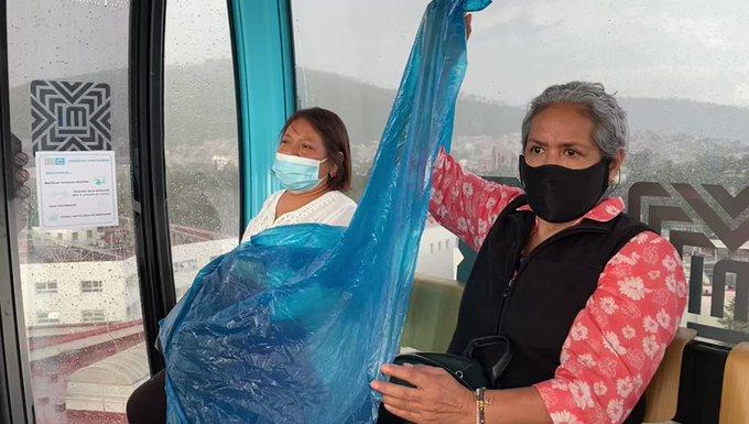 Usuarios de Cablebús reportan filtración de lluvia en cabinas