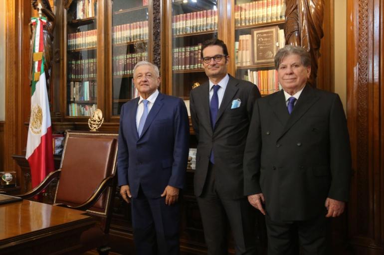 AMLO recibió a representantes de Multimedios y El País en Palacio Nacional