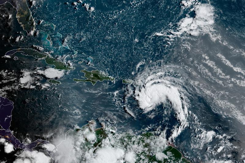 Fred deja cortes de luz y agua en Dominicana y avanza a Cuba