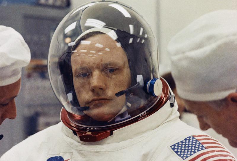 Centro de la NASA en Ohio cambia nombre a Neil Armstrong